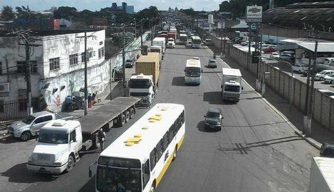Protesto no Porto de Salvador interfere no trânsito na região do Comércio - Foto: Edilson Lima | Ag. A TARDE