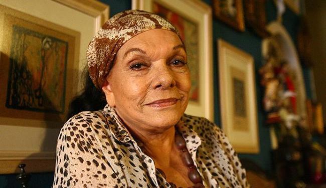 Dona Nair quer mostrar às novas gerações a força de um amor verdadeiro - Foto: Fernando Amorim | Ag. A TARDE