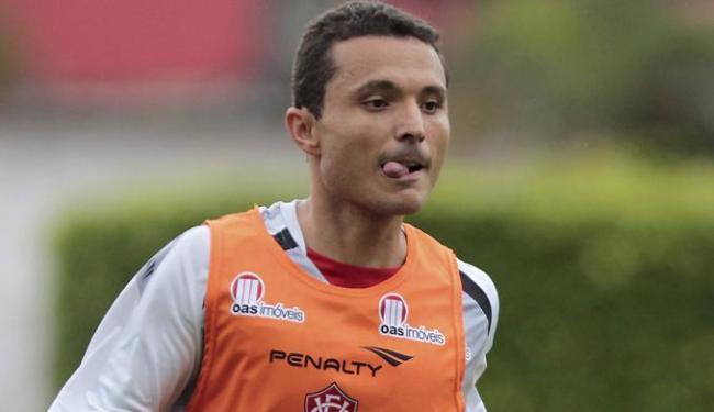 Meia de 33 anos veio com aval do ex-técnico Caio Júnior e fez apenas sete partidas no Vitória - Foto: Eduardo Martins   Ag. A Tarde