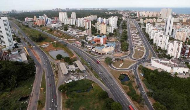 STRE interdita frentes de trabalho no complexo de viadutos do Imbuí - Foto: Carlos Casaes   Ag. A TARDE