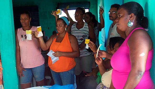 Moradores de Bariri e Plataforma procuraram a sede comunitária visando solucionar o problema - Foto: Cristiane Batista