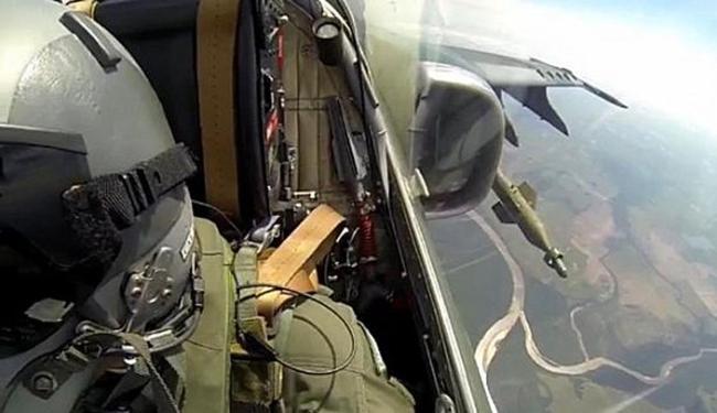Caças A-1 lançaram bombas inteligentes em tiro real - Foto: Divulgação | FAB