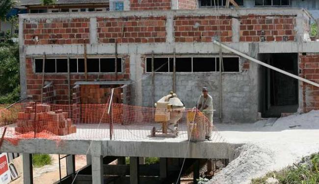 Obra de construção da base no bairro da Engomadeira - Foto: Mila Cordeiro   Ag. A TARDE