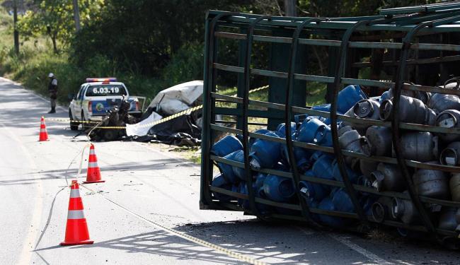 Colisão matou motorista da Fiorino - Foto: Fernando Vivas | Ag. A TARDE