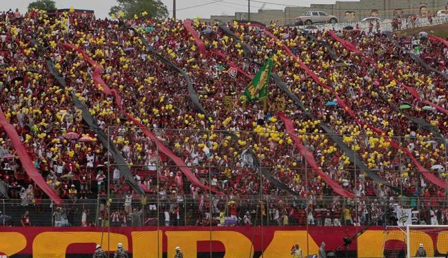 O torcedor do Vitória tem a chance de incentivar o time a encostar no G-4 - Foto: Eduardo Martins   Ag. A TARDE