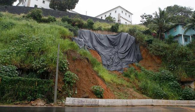 Contorno é interditado sempre que chove forte em Salvador - Foto: Marco Aurélio Martins   Ag. A TARDE