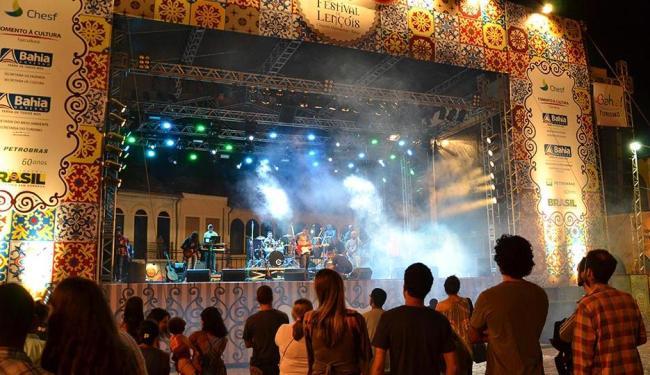 Festival de Lençóis segue até este sábado com shows na praça principal da cidade da Chapada - Foto: Caiã Pires   Divulgação