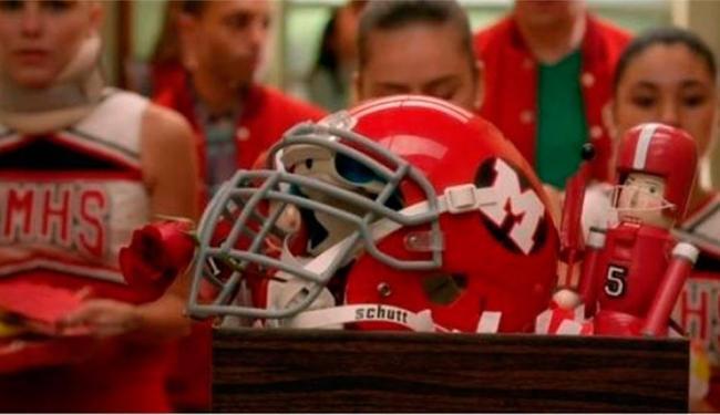 O episódio do Glee se passa três semanas após o funeral de Finn - Foto: Reprodução
