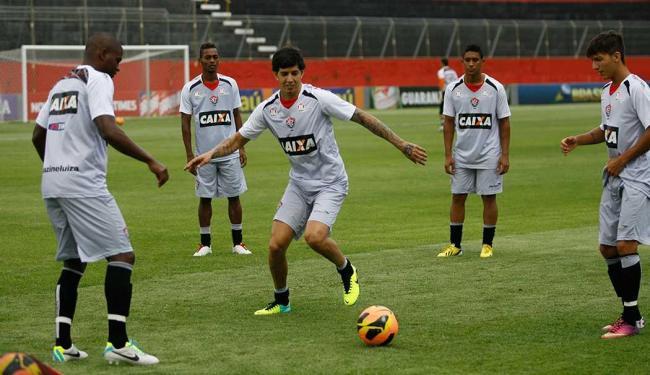 Vitória treina para reencontrar a sintonia após duas derrotas seguidas - Foto: Marco Aurélio Martins   Ag. A TARDE