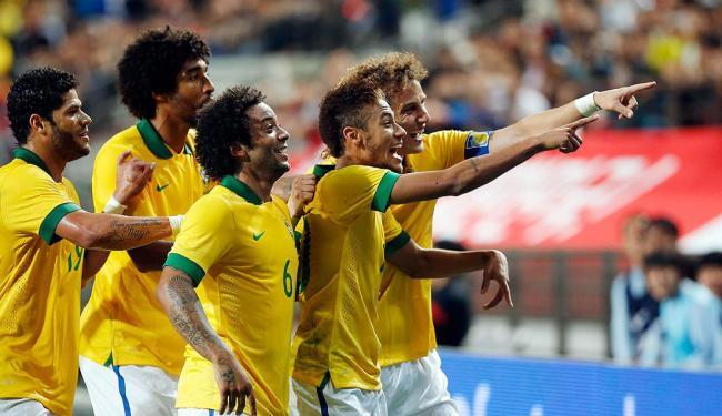 Equipe comemora primeiro gol da Seleção - Foto: Kim Hong-Ji | Reuters