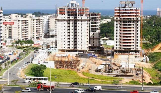 Setor da construção civil espera uma solução para o impasse - Foto: Eduardo Martins | Ag. A TARDE