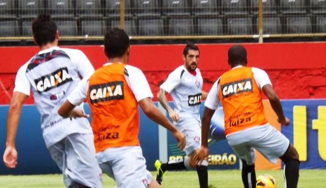 Escudero volta à equipe com a função de municiar o ataque rubro-negro - Foto: Assessoria E.C.Vitória | Divulgação