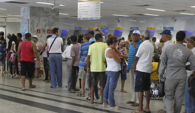 A partir da próxima segunda, 21, bancos vão abrir às 9h e encerrar o expediente às 15h - Foto: Eduardo Martins | Ag. A TARDE