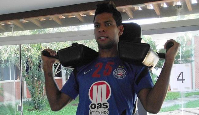 Atacante pertence ao São Paulo e não pode entrar em campo contra o tricolor paulista - Foto: Esporte Clube Bahia | Divulgação