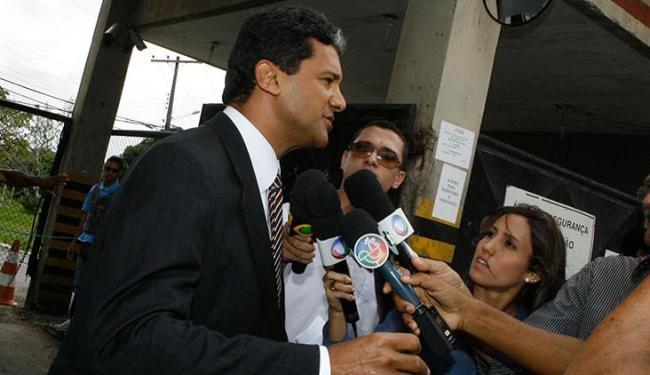 Vivaldo Amaral, advogado de defesa de Kátia Vargas, pediu respeito à sua cliente - Foto: Marco Aurélio Martins   Ag. A Tarde