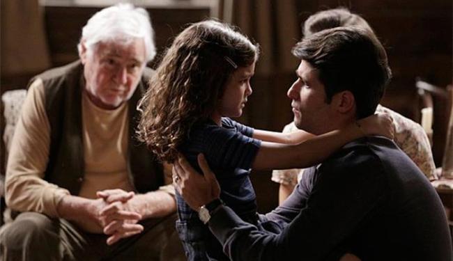 Pérola diz para Franz que vai acontecer uma tragédia e o pai vai sofrer - Foto: TV Globo | Divulgação