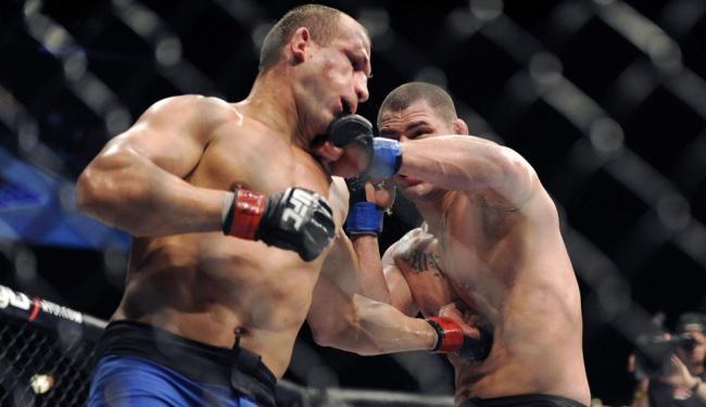 Cigano e Velásquez decidem título pela terceira vez; brasileiro perdeu cinturão na última luta - Foto: David Becker   AP Photo