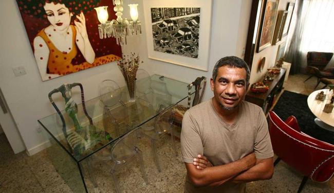 Produtor José Raimundo acha que decoração reflete personalidade dos moradores - Foto: Fernando Amorim | Ag. A TARDE