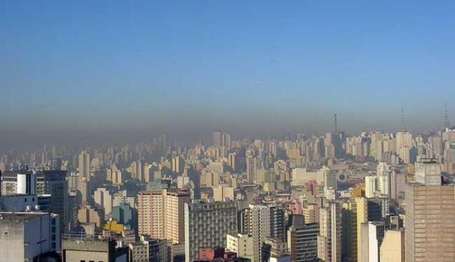 Atmosfera poluída na capital de SP, onde há mais carros em circulação - Foto: Fábio Imhoff   Divulgação