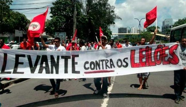 Petroleiros e movimentos sociais protestam contra leilão - Foto: Divulgação   Sindipetro