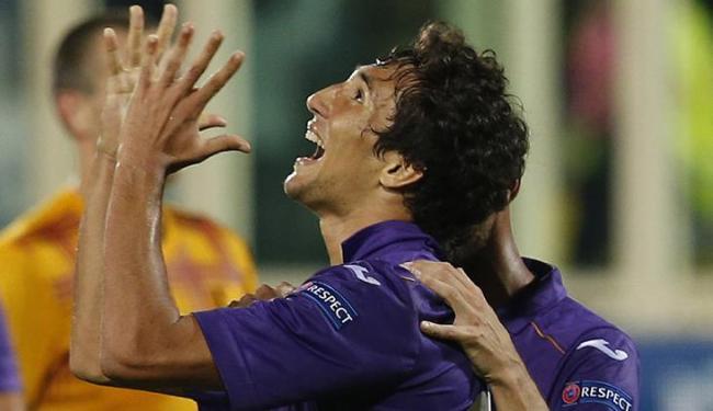 Ryder, que jogou no Bahia até o meio de 2013, marcou um dos gols da Fiorentina sobre o Pandurii - Foto: Alessandro Bianchi / Agência Reuters
