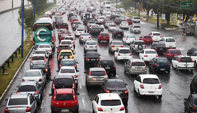 Soteropolitanos gastam, em média, 39,7 minutos de casa até o trabalho - Foto: Edilson Lima/ Ag. A TARDE