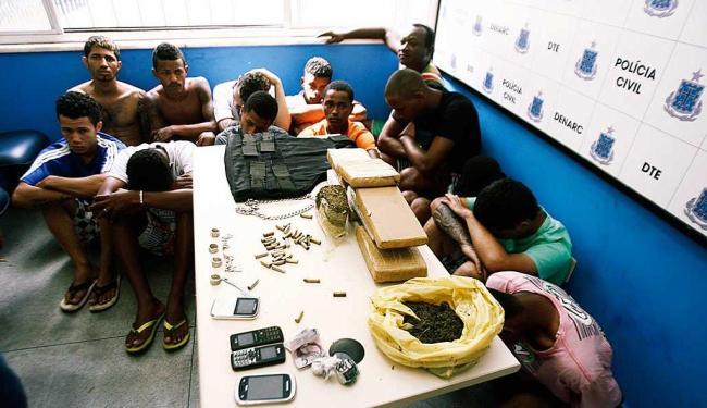 Suspeitos de homicídios e tráfico de drogas foram detidos em Feira - Foto: Luiz Tito | Ag. A TARDE