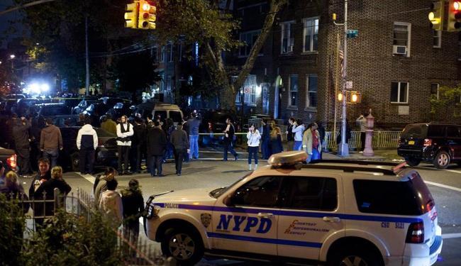 Um homem que estava no local do crime foi detido, segundo o Departamento de Polícia de Nova York - Foto: Agência Reuters
