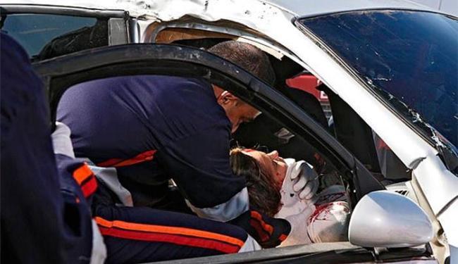 Amarilys fica entre a vida e morte após bater em um caminhão - Foto: TV Globo   Divulgação