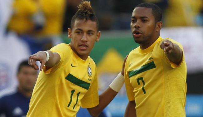 Robinho reencontra o ex-parceiro de Santos Neymar na Seleção nos jogos contra Honduras e Chile - Foto: Ricardo Mazalan | Agência AP