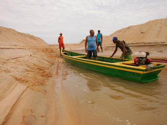 Assoreamento no Rio Jequitinhonha prejudica os pescadores - Foto: Joá Souza/ Ag. A Tarde