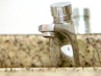 Rompimento em adutora de água deixa 37 bairros sem água - Foto: Welton Araúo | Arquivo | Ag. A TARDE