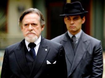 Ernest arma plano com Manfred para se ver livre de Mundo - Foto: TV Globo | Diulgação