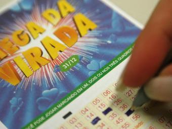 Valor estimado da Mega da Virada é de R$ 200 milhões - Foto: Raul Spinassé | Ag. A TARDE
