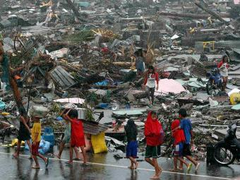 Sobreviventes pedem alimentos, água e medicamentos - Foto: Agência Reuters