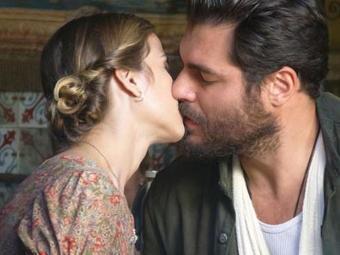 Ernest flagra Hilda e Toni juntos - Foto: Reprodução   TV Globo