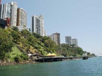 Piloto desapareceu nas imediações do restaurante Mahi Mahi, no Corredor da Vitória - Foto:   Ag. A TARDE