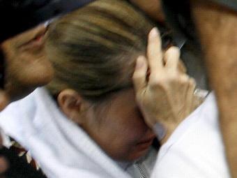 Acusada é conduzida do hospital ao presídio feminino - Foto: Marco Aurélio Martins | Ag. A Tarde