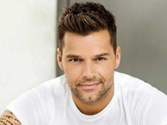 Ricky Martin vai cantar e ser um dos jurados a escolher a canção da Copa - Foto: Divulgação