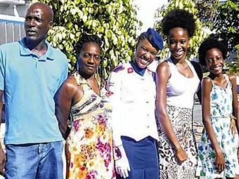 A alegria é marca registrada da família de artistas, que mora no Vale do Ogunjá - Foto: Arquivo pessoal