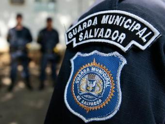 Na primeira etapa do treinamento, os guardas municipais assistirão a aulas sobre legislação - Foto: Mila Cordeiro | Ag. A TARDE
