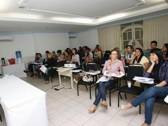 Os salários oferecidos variam entre R$ 971,19 a R$ 2.100 - Foto: Margarida Neide/ AG. A TARDE