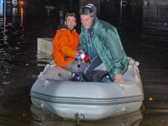 Equipes de resgate tentavam chegar a áreas rurais mais baixas afetadas - Foto: AP