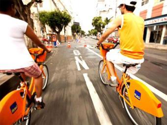 Ciclistas podem alugar bicicletas nas estações instaladas em Salvador - Foto: Reprodução