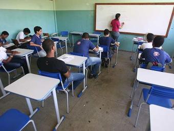 Professores de escolas públicas que estão em sala de aula podem aderir - Foto: Raul Spinassé | Ag. A TARDE