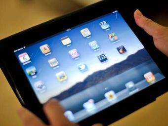 Educador tem acesso pelo tablet a conteúdos específicos - Foto: ABr