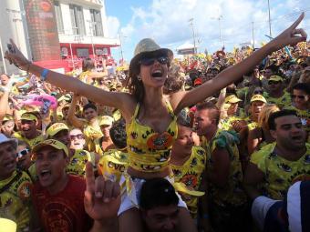 Foliões do bloco Nana Banana curtiram o Carnaval no circuito Barra-Ondina - Foto: Lúcio Távora | Ag. A Tarde