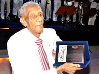 Edgar se formou em 1939 e é associado à Ordem desde 1937 - Foto: Divulgação   OAB