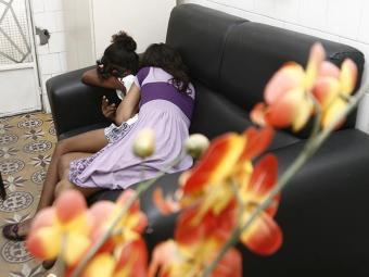 Após serem abusadas, elas foram abandonadas em uma esquina e encontradas por moradores - Foto: Luiz Tito/Ag. A Tarde. Data