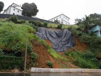 Contorno é interditada sempre que chove forte em Salvador - Foto: Marco Aurélio Martins | Ag. A TARDE